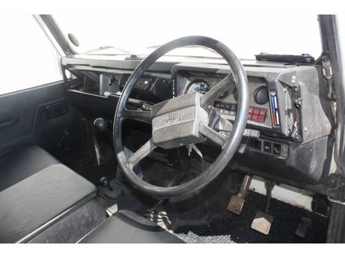 1986 Land Rover Defender 90 2.5 TD 4X4 For Sale (picture 3 of 6)