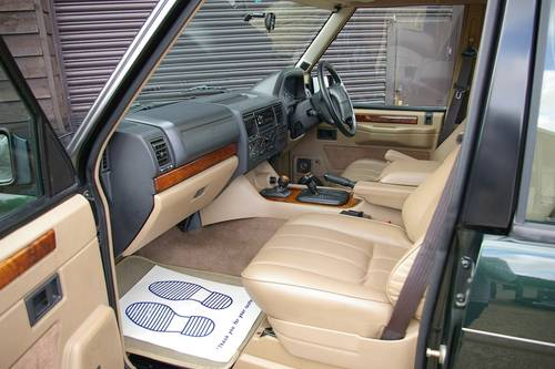 1995 Range Rover CLASSIC 3.9 V8 Auto SWB (60,414 miles) SOLD (picture 4 of 6)