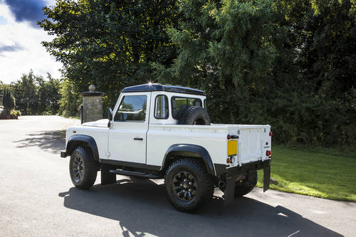 2016 Land Rover Defender 90 Pickup (VAT Qualifying) SOLD (picture 1 of 6)