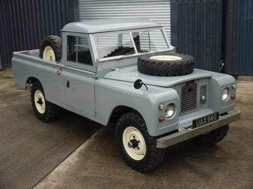 1969 Land Rover Series IIA 109 SOLD (picture 2 of 6)