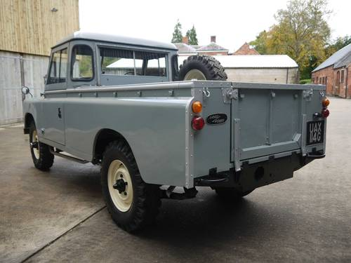 1969 Land Rover Series IIA 109 SOLD (picture 3 of 6)