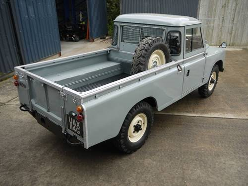 1969 Land Rover Series IIA 109 SOLD (picture 4 of 6)