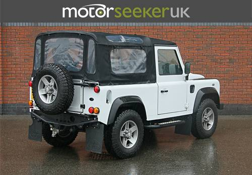 Land Rover Defender 2.2 Soft Top 90 edition only 4900 miles  For Sale (picture 4 of 6)
