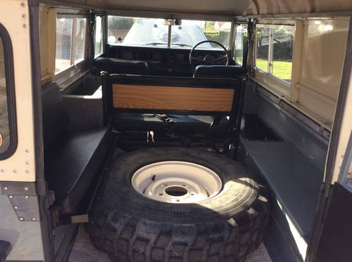 1968 Land Rover Series 2A Fully Restored 3.9 V8 For Sale (picture 4 of 6)