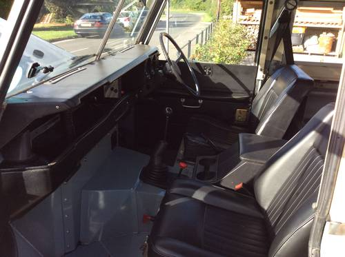 1968 Land Rover Series 2A Fully Restored 3.9 V8 For Sale (picture 5 of 6)