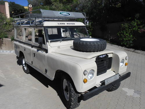 Classic Land Rover 109 Series III 4x4 1974 For Sale (picture 2 of 6)