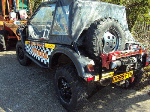 range rover treker 3.9 v8 twin winches swap up down w.h.y ? For Sale (picture 2 of 6)