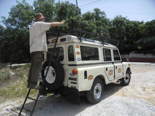 Classic Land Rover 109 Diesel Series III 4x4 1981 For Sale (picture 1 of 6)