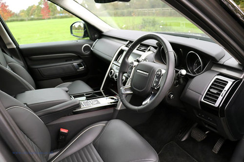 2017 Land Rover Discovery TD6 HSE Luxury For Sale (picture 3 of 6)