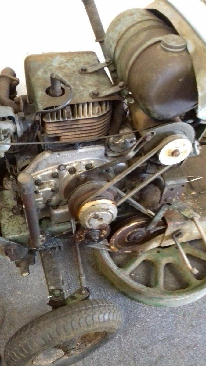 1963 unihorse mini tractor for restoration For Sale (picture 2 of 4)