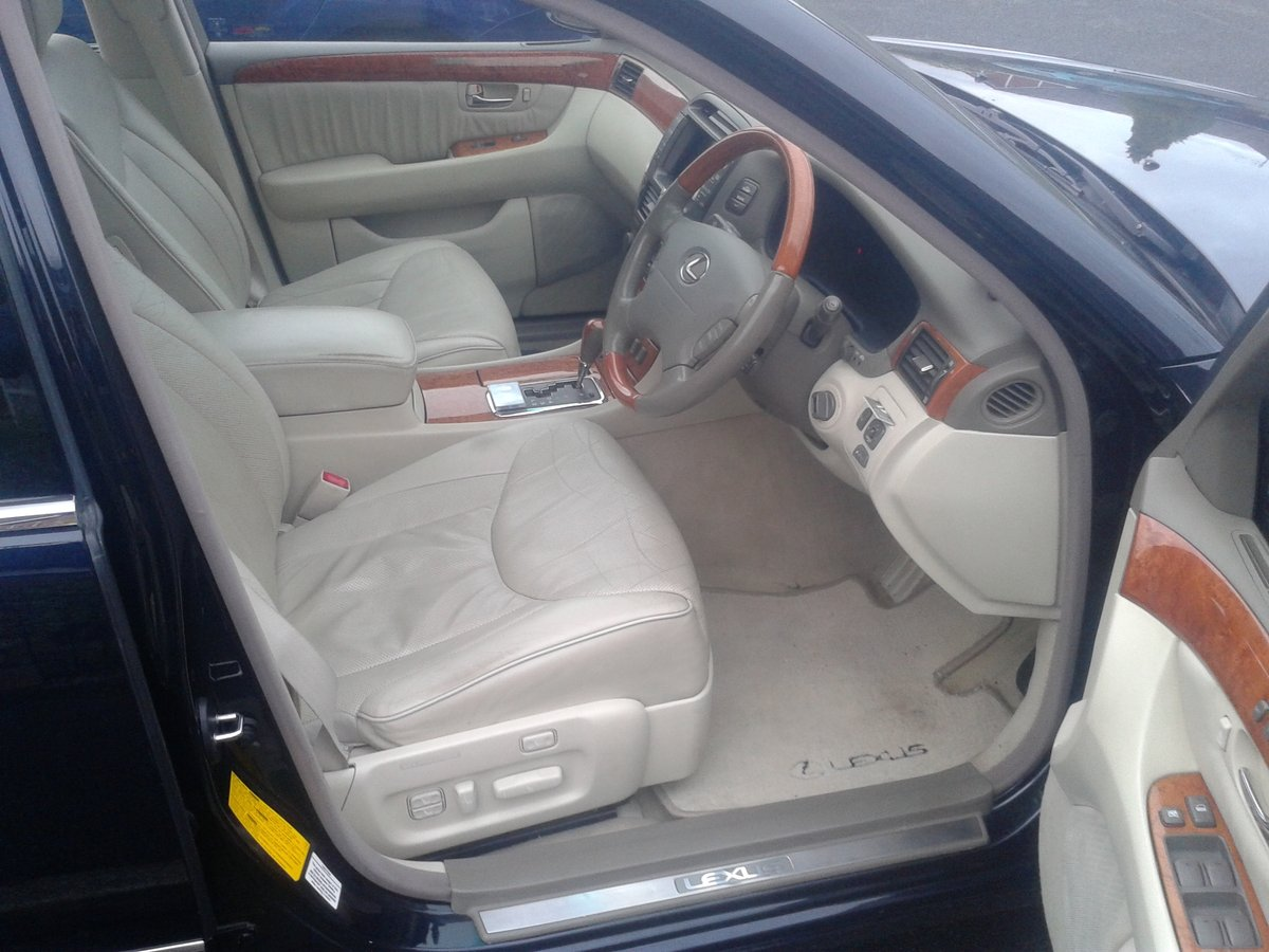 2003 is this the most pampered Lexus ls430 in the u.k ? For Sale (picture 4 of 6)