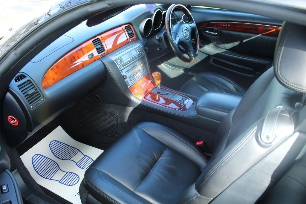 2007 Beautiful Lexus SC430 Auto Convertible For Sale (picture 5 of 6)