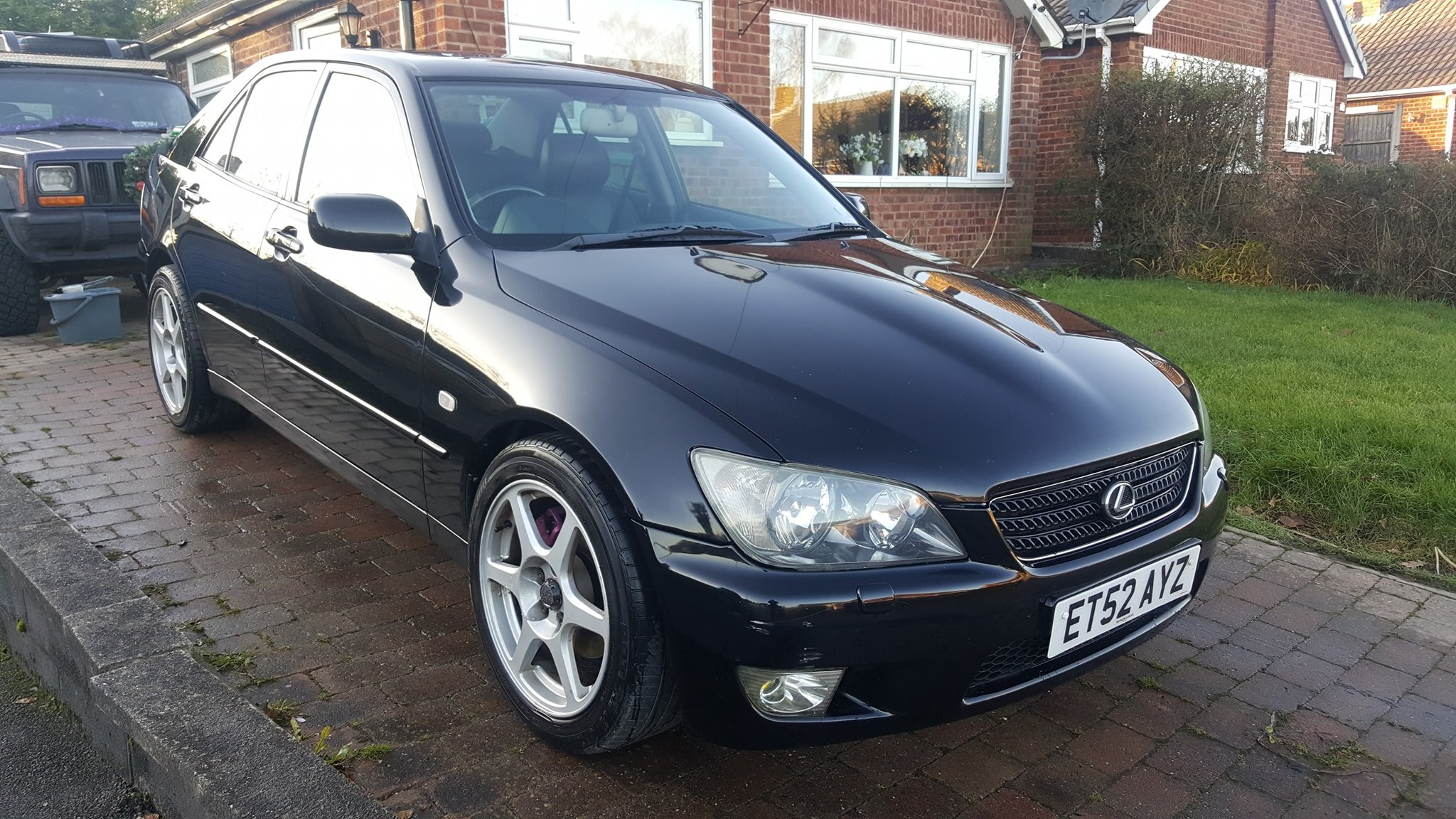 2002 lexus is300 100k miles in black 12 months MOT For Sale (picture 2 of 6)
