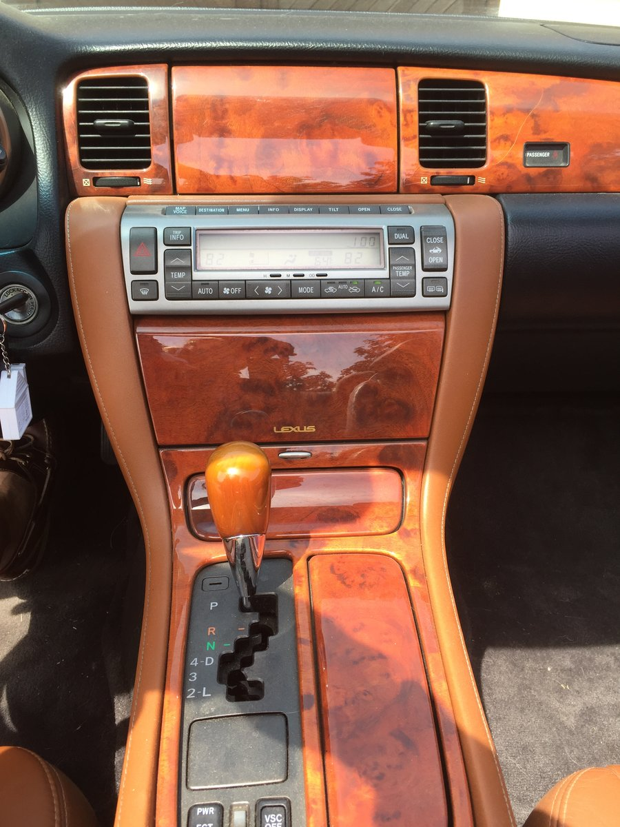 2003 Lexus SC430 Luxury Sports Car For Sale (picture 2 of 6)