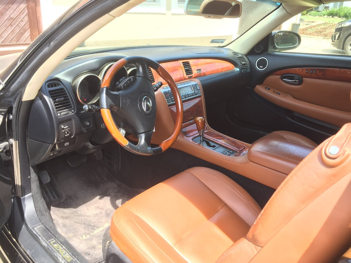 2003 Lexus SC430 Luxury Sports Car For Sale (picture 6 of 6)