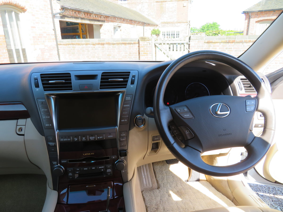 LEXUS LS 460I AUTO 2006 - COVERED 19K MILES /32K KLM 1 OWNER For Sale (picture 2 of 6)