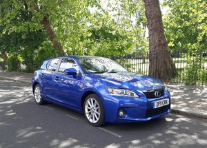Lexus CT200H - Perfect condition_FSH_Lot of option