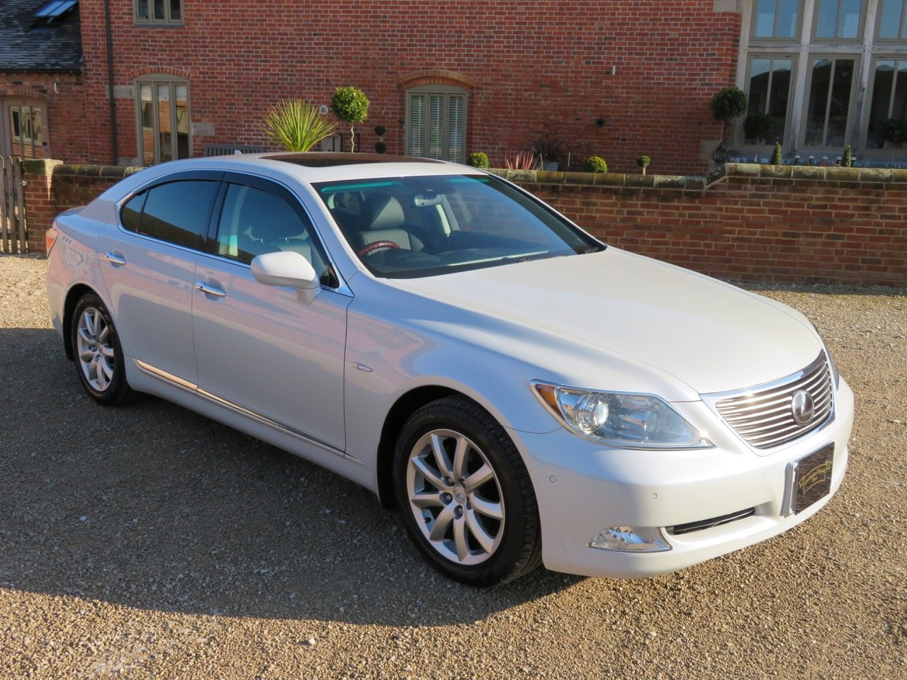 LEXUS LS 460L 2006 7K MILES FROM NEW 1 OWNER FROM NEW For Sale (picture 1 of 6)
