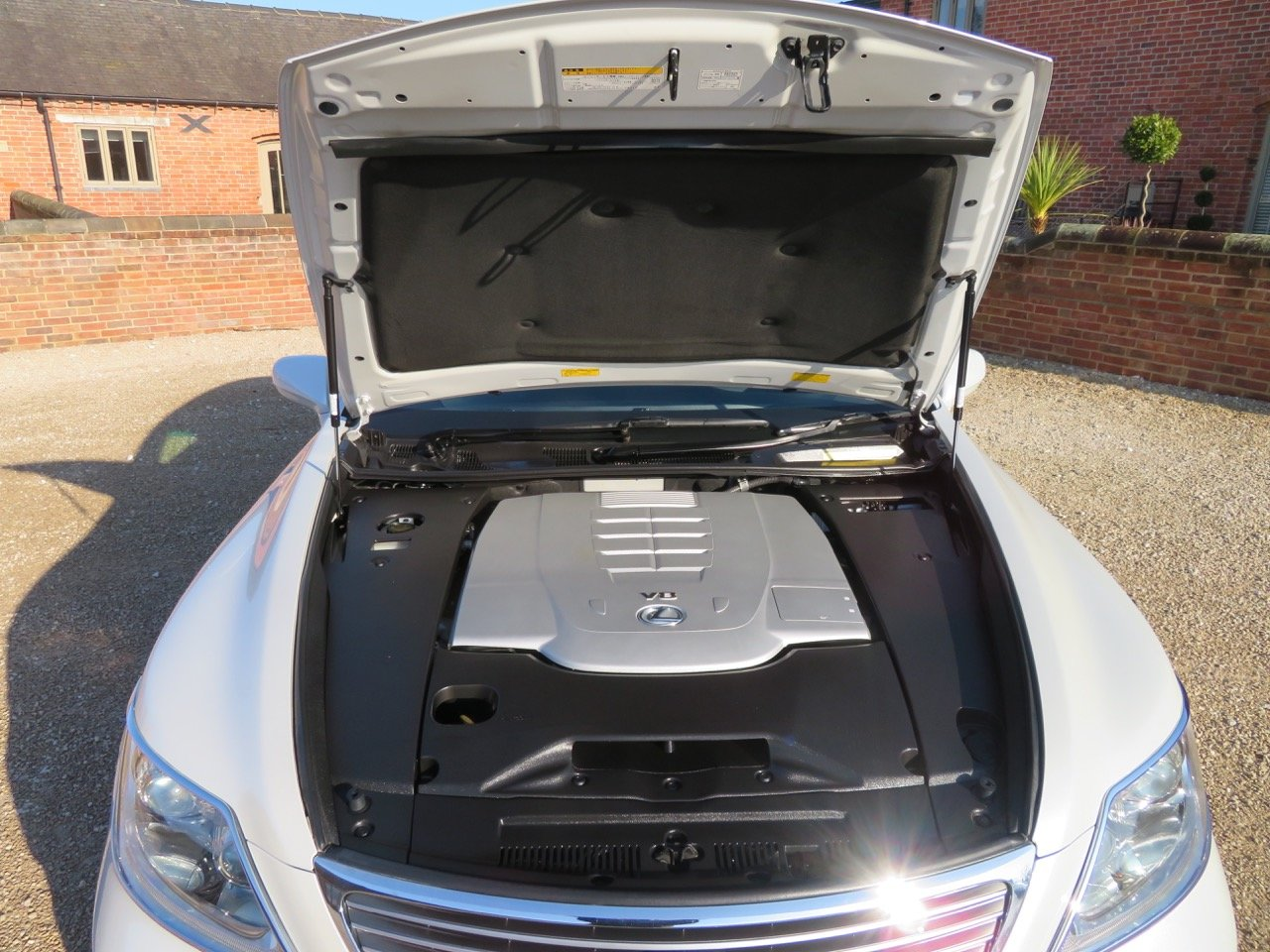 LEXUS LS 460L 2006 7K MILES FROM NEW 1 OWNER FROM NEW For Sale (picture 4 of 6)