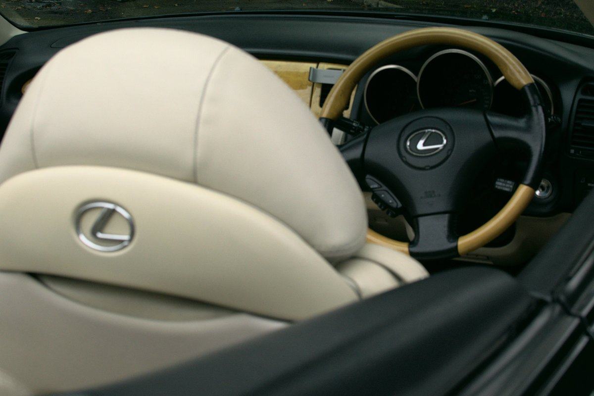 2002 Lexus SC430 Rare Sheldon Green / Rutland Leather For Sale (picture 5 of 6)