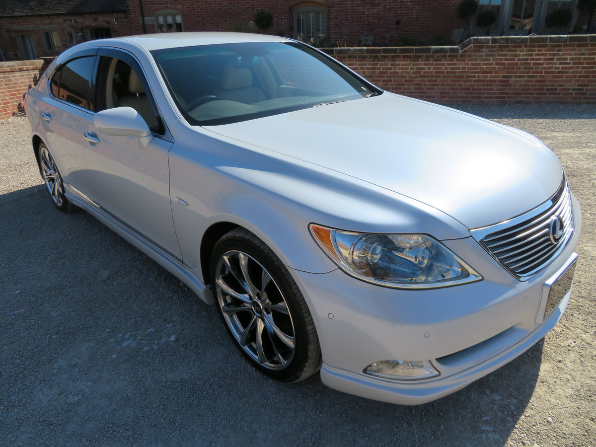 LEXUS LS 460I AUTO 2006 - COVERED 19K MILES /32K KLM 1 OWNER For Sale (picture 1 of 12)