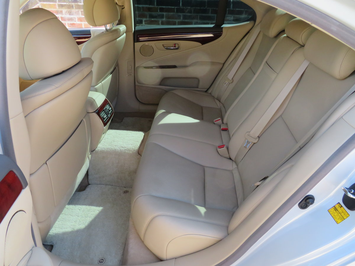 LEXUS LS 460I AUTO 2006 - COVERED 19K MILES /32K KLM 1 OWNER For Sale (picture 10 of 12)