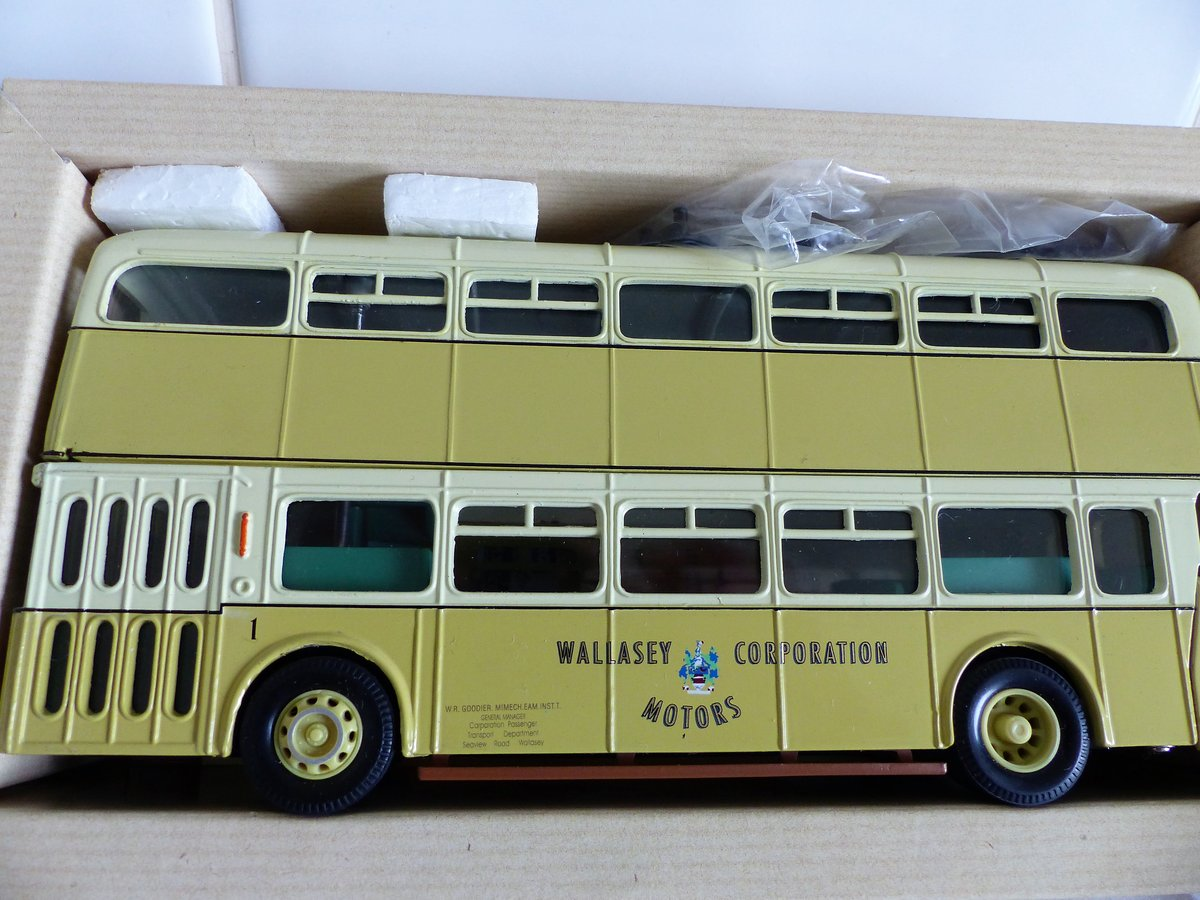 WALLASEY CORPORATION ATLANTEAN BUS 1:50 SCALE. For Sale (picture 2 of 6)
