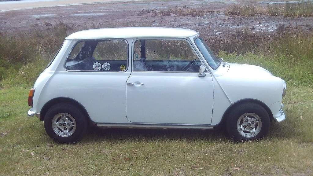 1974 Excellent condition mini 1000 with uprated engine rust free For Sale (picture 1 of 6)