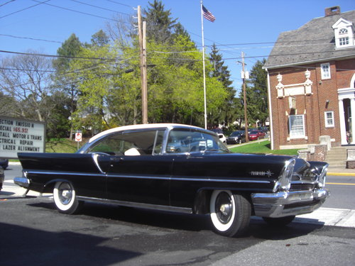 1957 Lincoln Premiere hardtop coupe For Sale (picture 1 of 6)