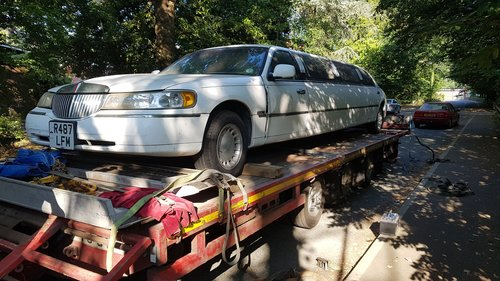 1998 Spares or repair Lhd  limousine crown lincoln For Sale (picture 1 of 6)