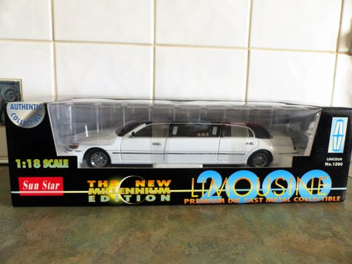 SUN STAR 1:18 SCALE LINCOLN LIMOUSINE MINT BOXED For Sale (picture 1 of 6)