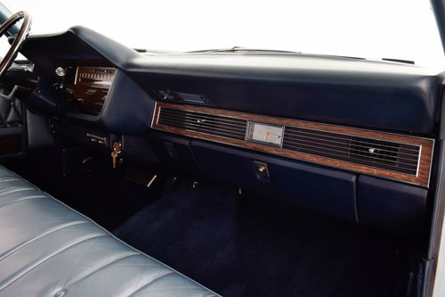 1968 Lincoln Continental Suicide Doors For Sale (picture 6 of 6)