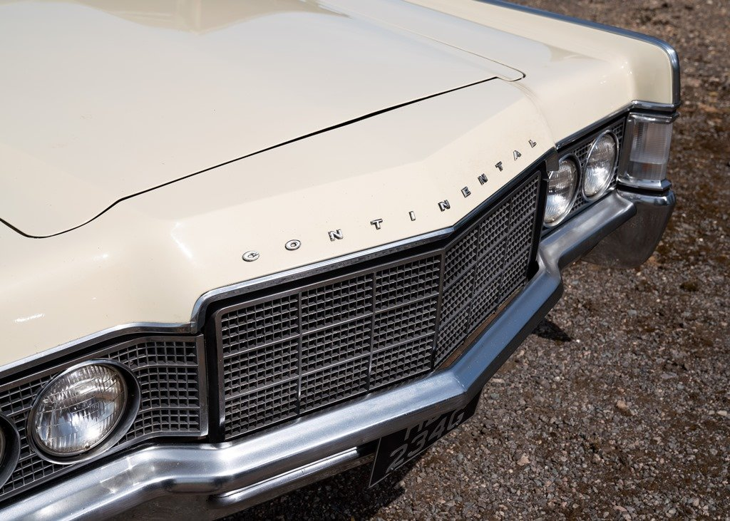 1969 Lincoln Continental Kennedy Coup (Fourth Generation) SOLD by Auction (picture 5 of 6)