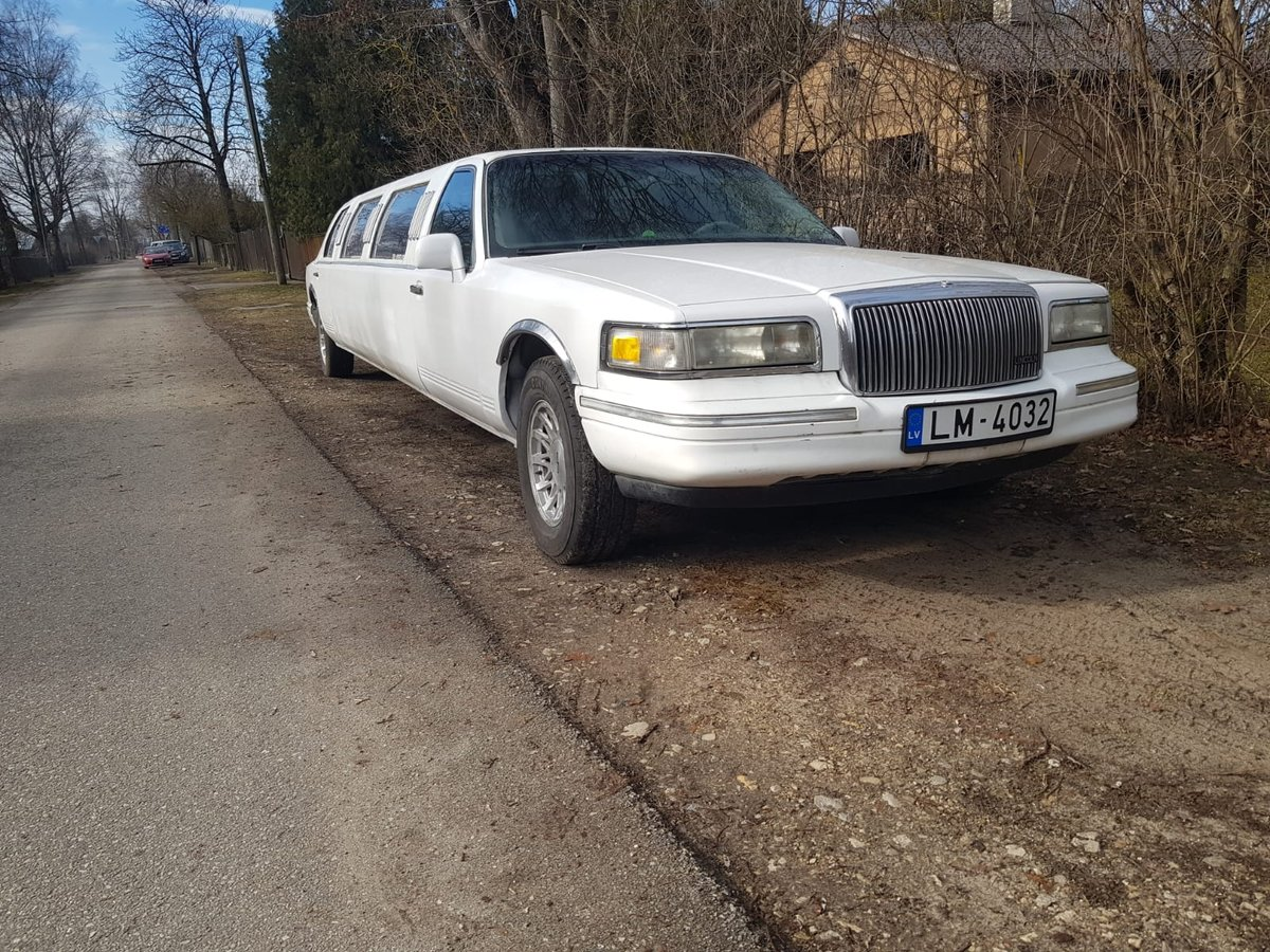 1996 Lincoln town car 5200 eur For Sale (picture 1 of 6)