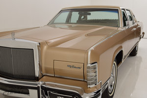1979 Lincoln Continental 4D Town Sedan