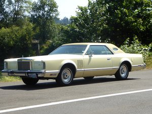 1977 Lincoln Mark V Town Coupe = clean Yellow(~)Gold $4.9k For Sale