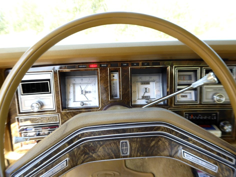 1977 Lincoln Mark V Town Coupe = clean Yellow(~)Gold $4 9k
