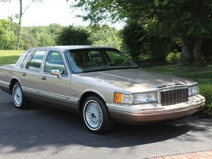1992 Lincoln Town Car  For Sale by Auction