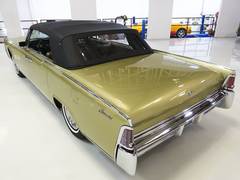 1965 Lincoln Continental Convertible For Sale (picture 2 of 6)