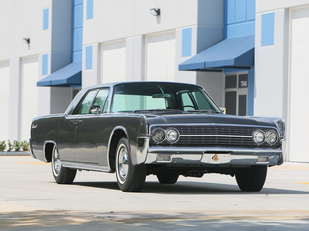 1962 Lincoln Continental Sedan  For Sale by Auction (picture 1 of 6)