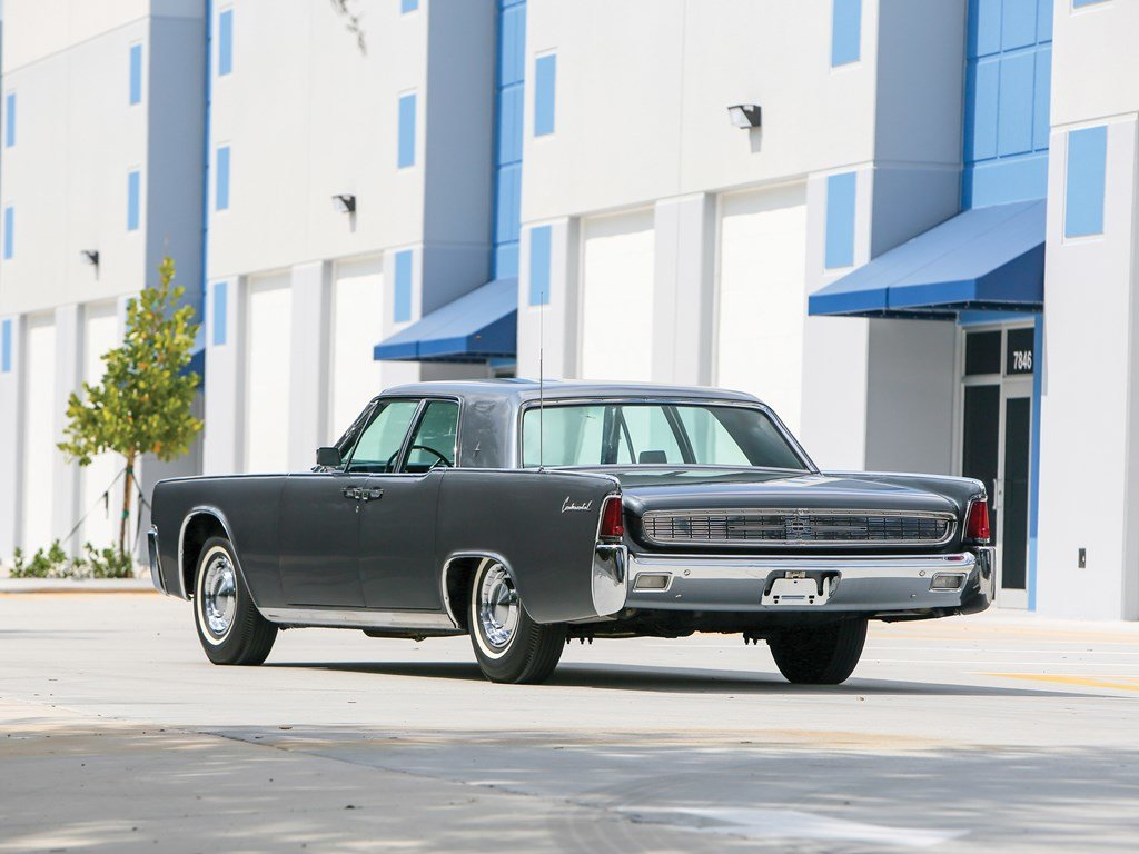 1962 Lincoln Continental Sedan  For Sale by Auction (picture 2 of 6)