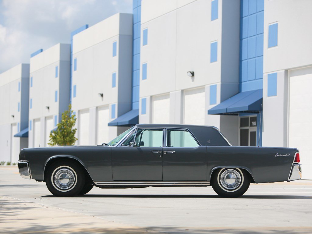 1962 Lincoln Continental Sedan  For Sale by Auction (picture 5 of 6)