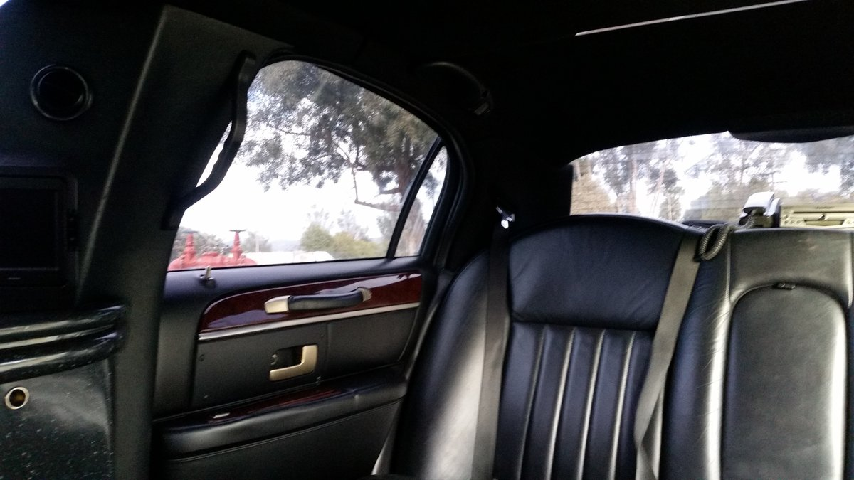 Lincoln Town car / Limousine. 2005 Executive series For Sale (picture 5 of 6)