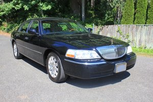 2010 Lincoln Towncar For Sale by Auction