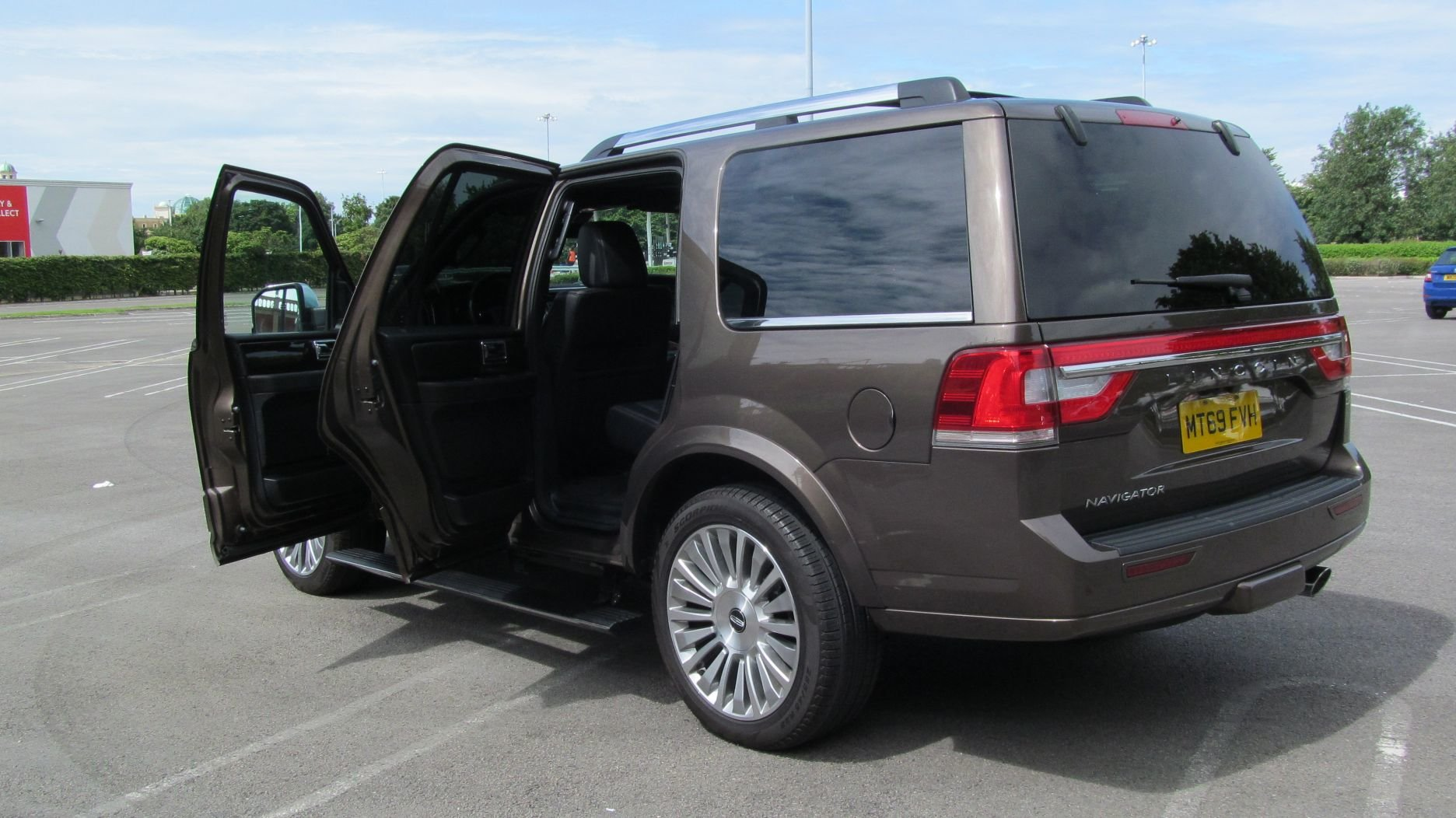 2017 Now Reduced 69 reg Lincoln Navigator Reserve 3.5L V6 4X4 SOLD (picture 2 of 6)
