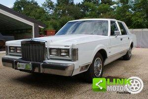 Lincoln Town CAR anno 1985 ben tenuta !!!