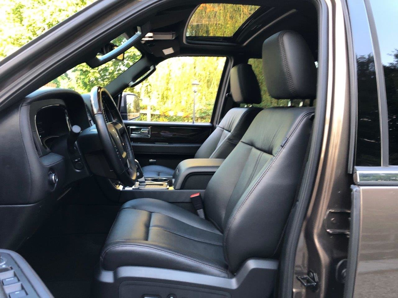 2019 Navigator 4x4 For Sale (picture 6 of 6)
