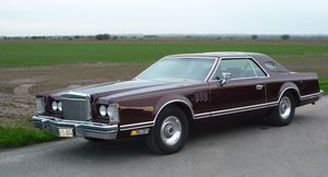 Very nice Lincoln Continental 2-door coupe