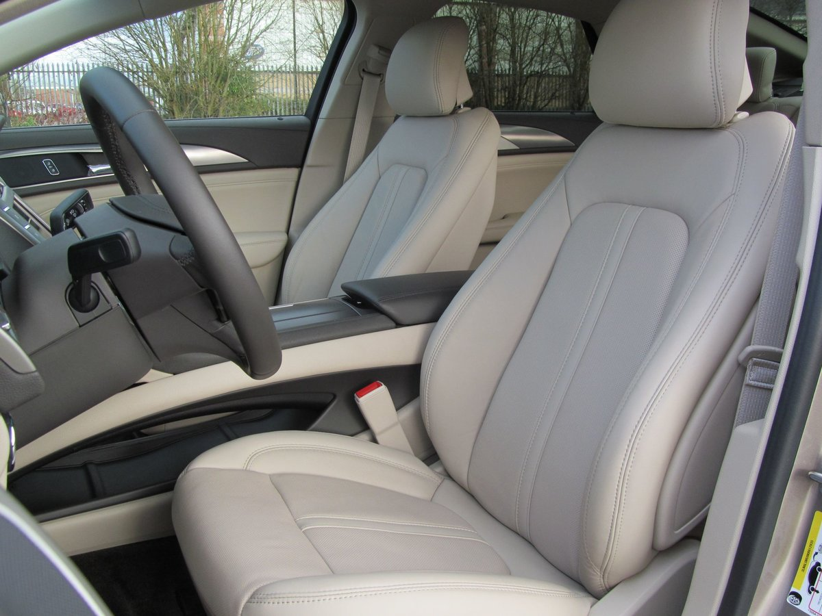 2019 Lincoln MKZ Reserve 2.0L HYBRID Petrol/Electric For Sale (picture 4 of 12)