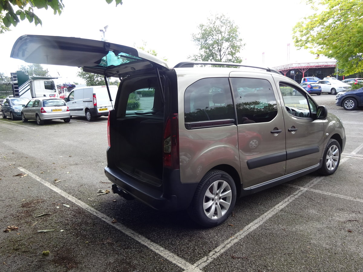 2018 MPV PARTNER 1200cc PETROL 5,300 MILES ONLY CAT N NO DAMAGE  For Sale (picture 3 of 6)